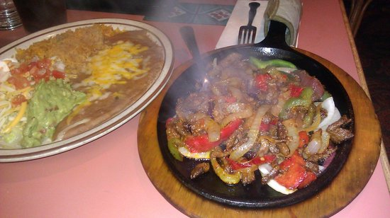 rancho viejo family restaurant: steak Fajitas