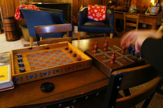 Okemo Inn: playing tic tac toe and chess