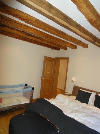 Hotel-Restaurant de la Rouvenaz: particolare della camera