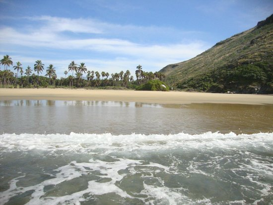 Baja Beach Oasis: Nearby private beach.