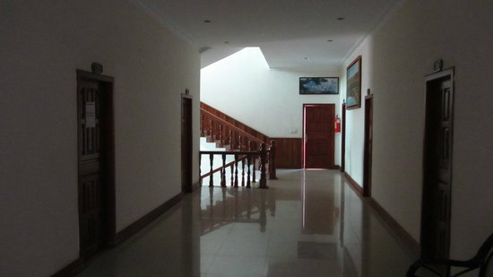 Sovann Phum Hotel: hotel corridor