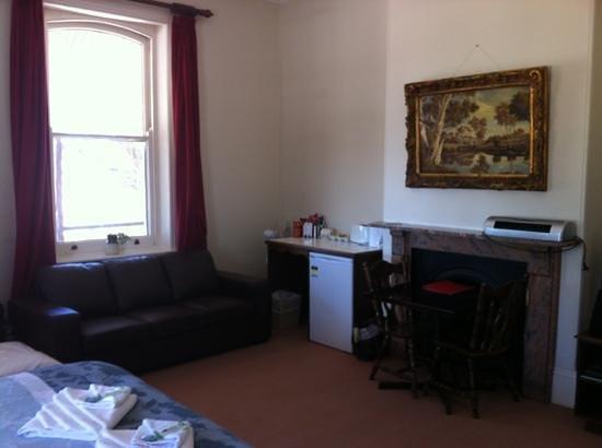 Bompas of Beachport: Room 3 - king suite.