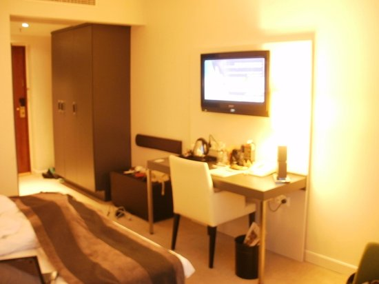 Elite Park Avenue Hotel: Superior double room on 10th floor