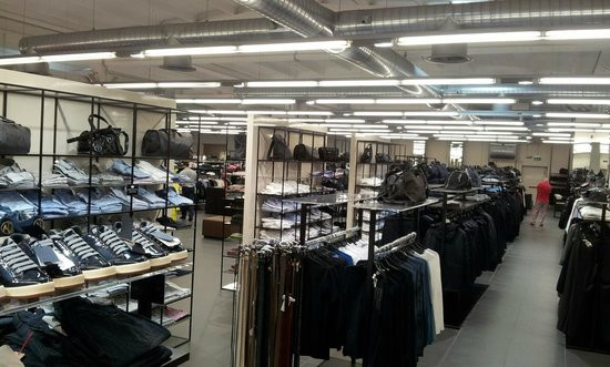 Armani Outlet (Lake Como) - 2018 All You Need to Know Before You Go ...