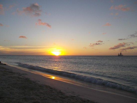 Eagle Beach: sunset