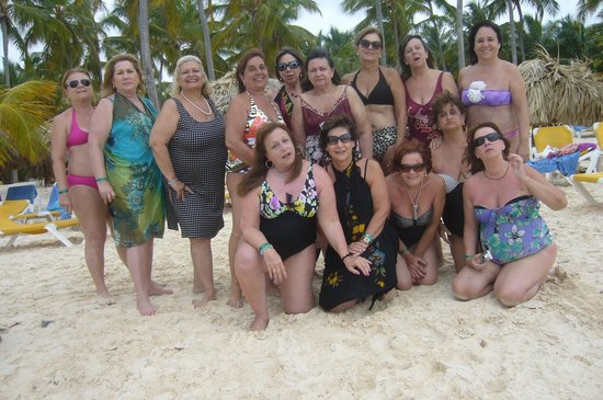 Catalonia Bavaro Beach, Casino & Golf Resort: grupo de paraguayas. 68 Karai Morocho