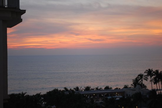 Hotel Riu Vallarta: Sunset View from our room