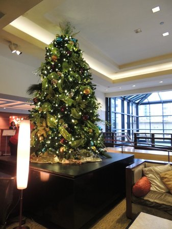 The Westin Chicago River North: Beautiful Christmas Tree