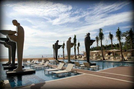 Mulia Resort: Beach area