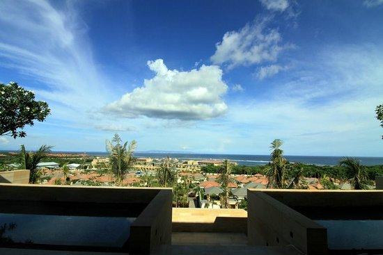 Mulia Resort: Overlooking the lounge at the Mulia Villa