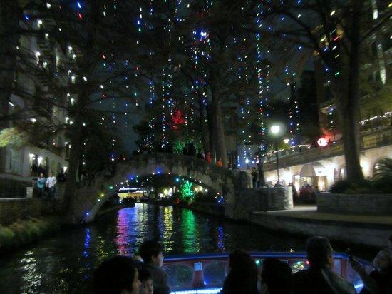 River Walk: River tour scene