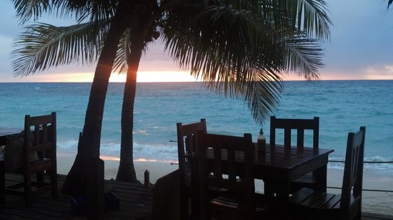 Bananarama Beach and Dive Resort: View from hotel restaurant