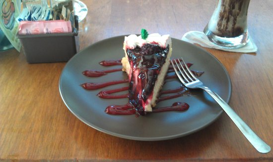 San Angel Cafe: Berry Cheesecake
