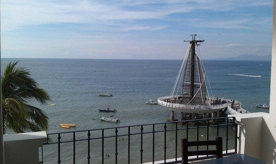 Emperador Vallarta Beachfront Hotel & Suites: Muelle