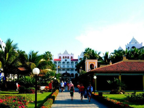 ClubHotel RIU Jalisco: Riu Jalisco Grounds