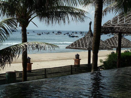 Pandanus Resort: Picture from Pool side Restaurant and Bar