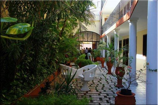 Hotel San Juan: hotel ground