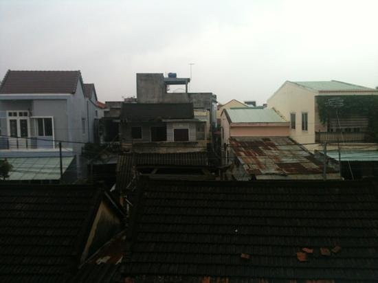 Vinh Huy Hotel: view of old city from window