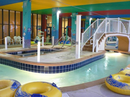 Monterey Bay Suites: lazy River