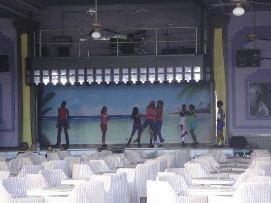 Hotel Riu Montego Bay: Entertainers