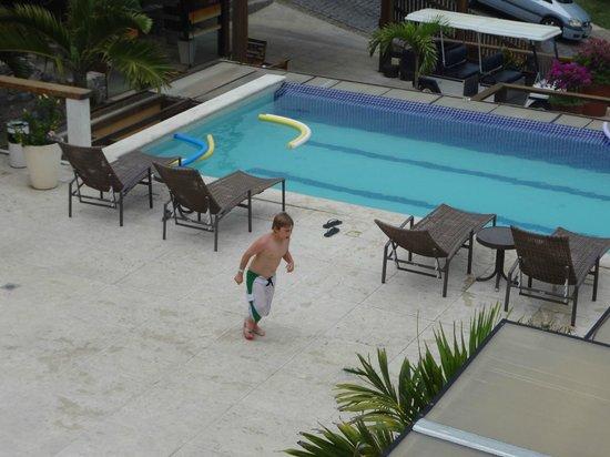 Hotel Ville La Plage: Piscina climatizada en el hotel