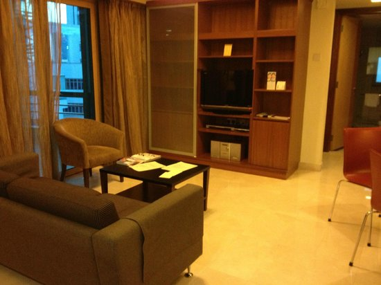 Somerset Bencoolen: Living Room