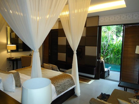 White Rose Kuta Resort, Villas & Spa: Bedroom