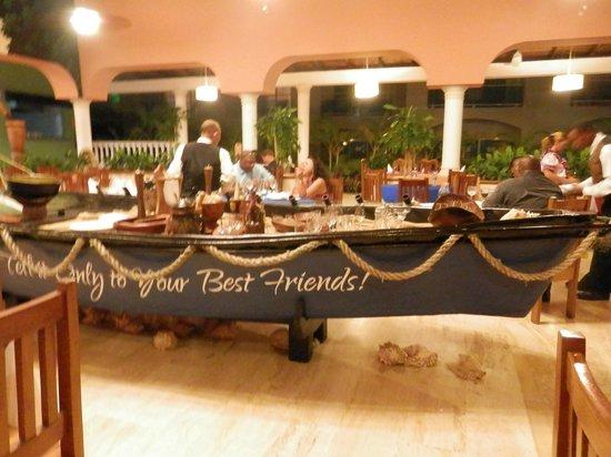 Presidential Suites A Lifestyle Holidays Vacation Resort: El Pilon Restaurant