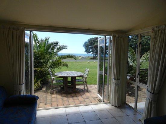 Ramada Resort Reia Taipa Beach: Enjoy the outdoor setting overlooking the beach and ocean