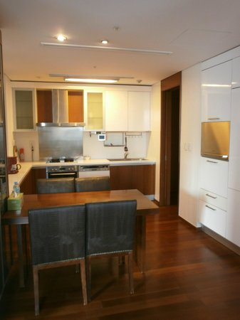 Vabien Suite I Serviced Residence: Kitchen
