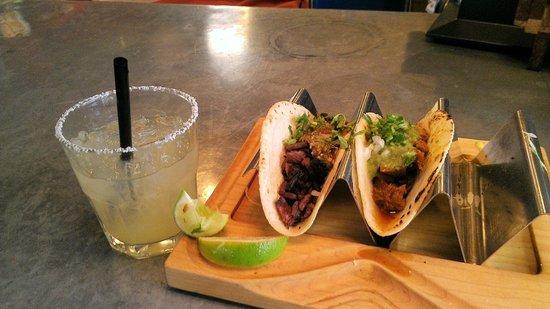 Gallo Blanco Cafe: Delicious tacos!