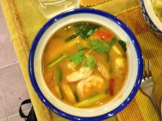 Phuket Thai Cookery School: Tom Yummy Goong
