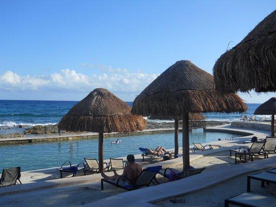 Grand Palladium Kantenah Resort and Spa: main pool