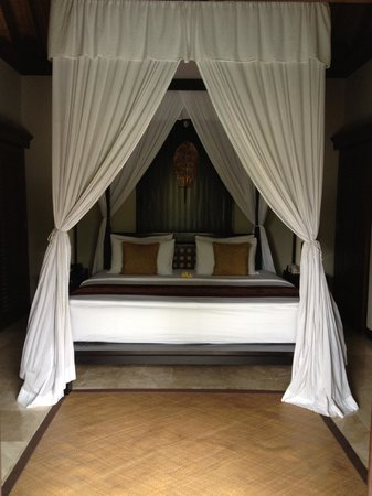 The Ulin Villas & Spa : bedroom