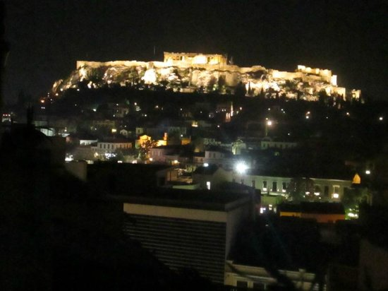 AthenStyle Hostel: View of Acropolis from the balcony