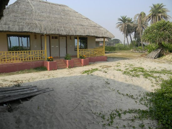 Eco Villa Resort: Our Cottage. The best one of the lot. Travelers should try to get this cottage. Room no 101& 102