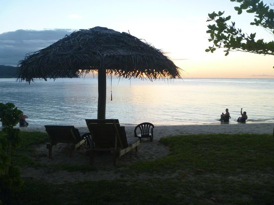 Savaii Lagoon Resort: View from our room - Sunset cocktails