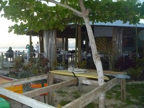 Savaii Lagoon Resort: Bar and restuarant
