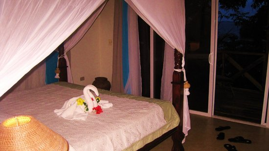 Popa Paradise Beach Resort: Love all the little touches in the room :)