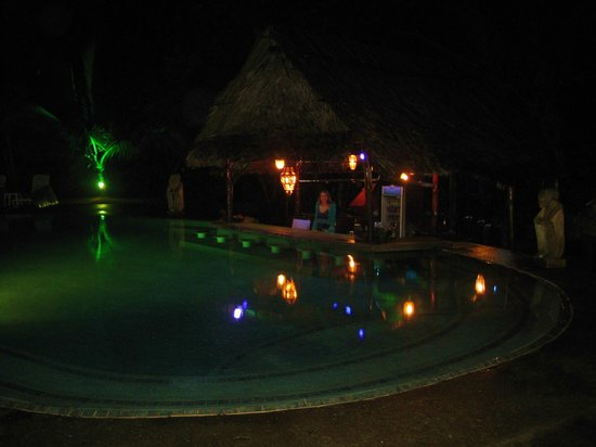 Popa Paradise Beach Resort: Cool Pool!