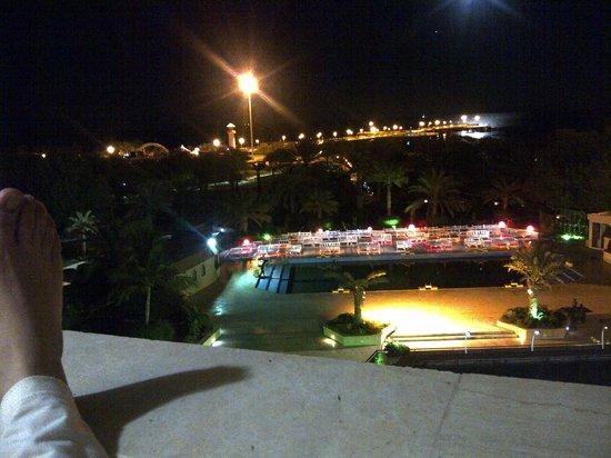 Shayan International Hotel: avond vanaf balkon