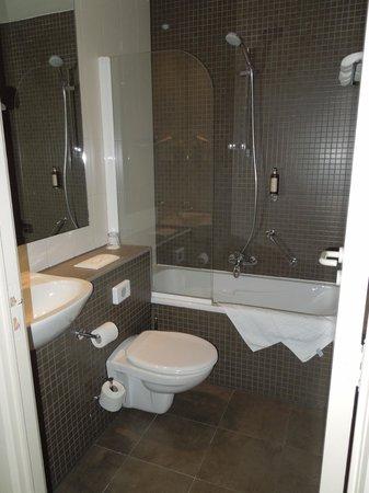 هوتل شامبورد: La salle de bain 