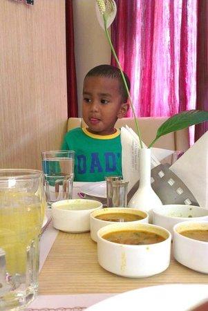 Nandhana Grand : Nice Food