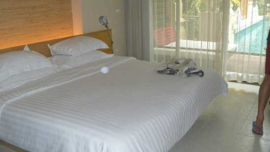 Burasari Resort: big bed!