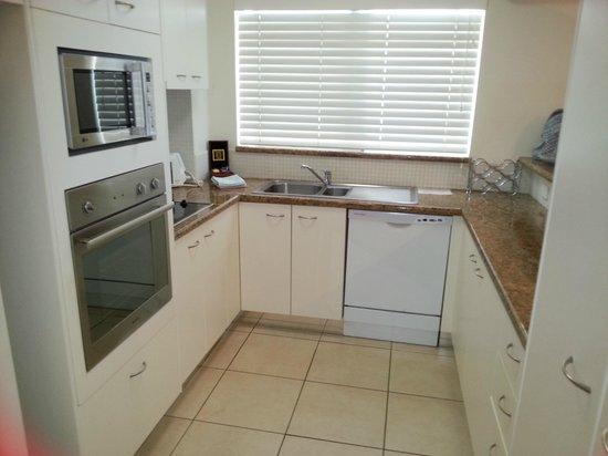 Bali Hai Apartments Noosa: Kitchens