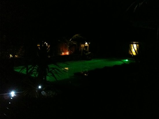 Aabi's at Byron: Pool at night