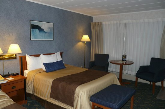 Travelodge At The Falls: Room interior