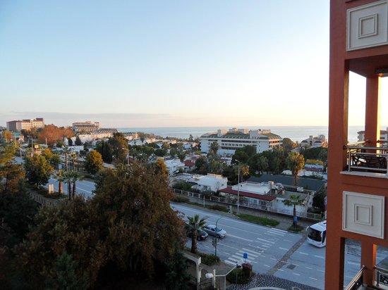 Villa Side Hotel: uitzicht over zee