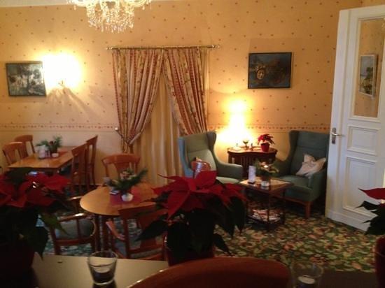 Kult-Hotel Auberge: salon