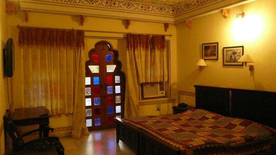 Sajjan Niwas: Room